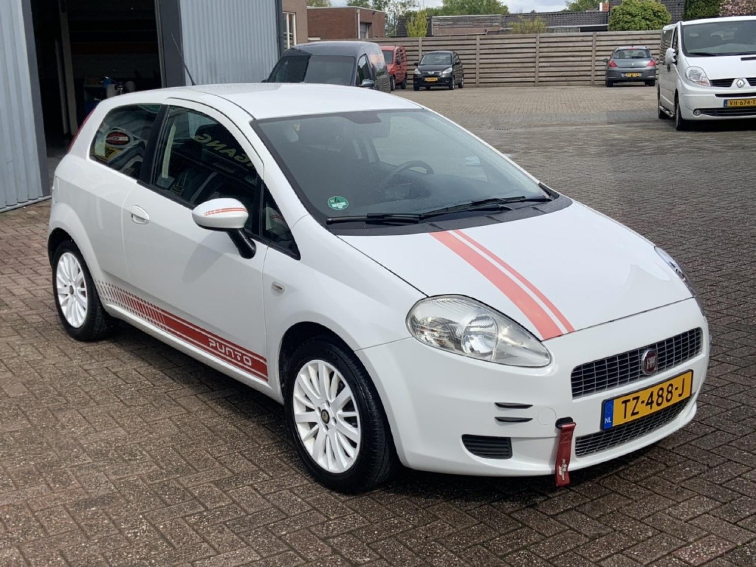 Fiat-Grande Punto-13