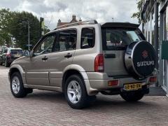 Suzuki-Grand Vitara-1