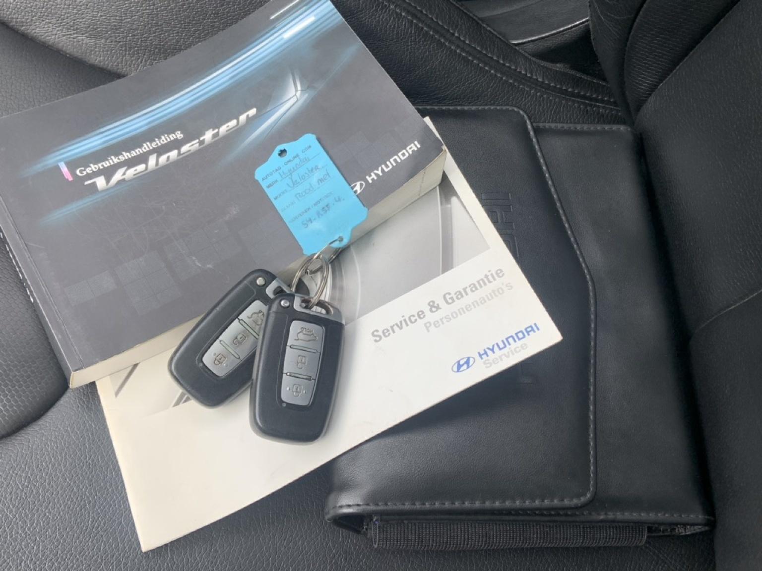 Hyundai-Veloster-18