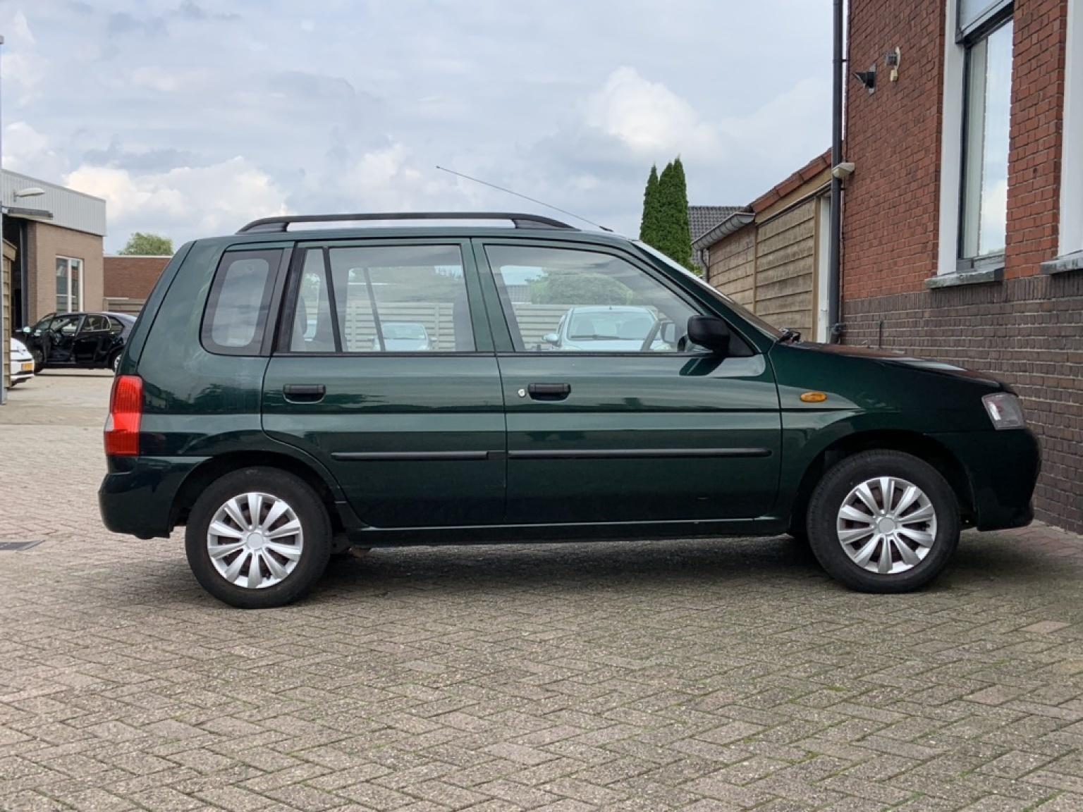 Mazda-Demio-7