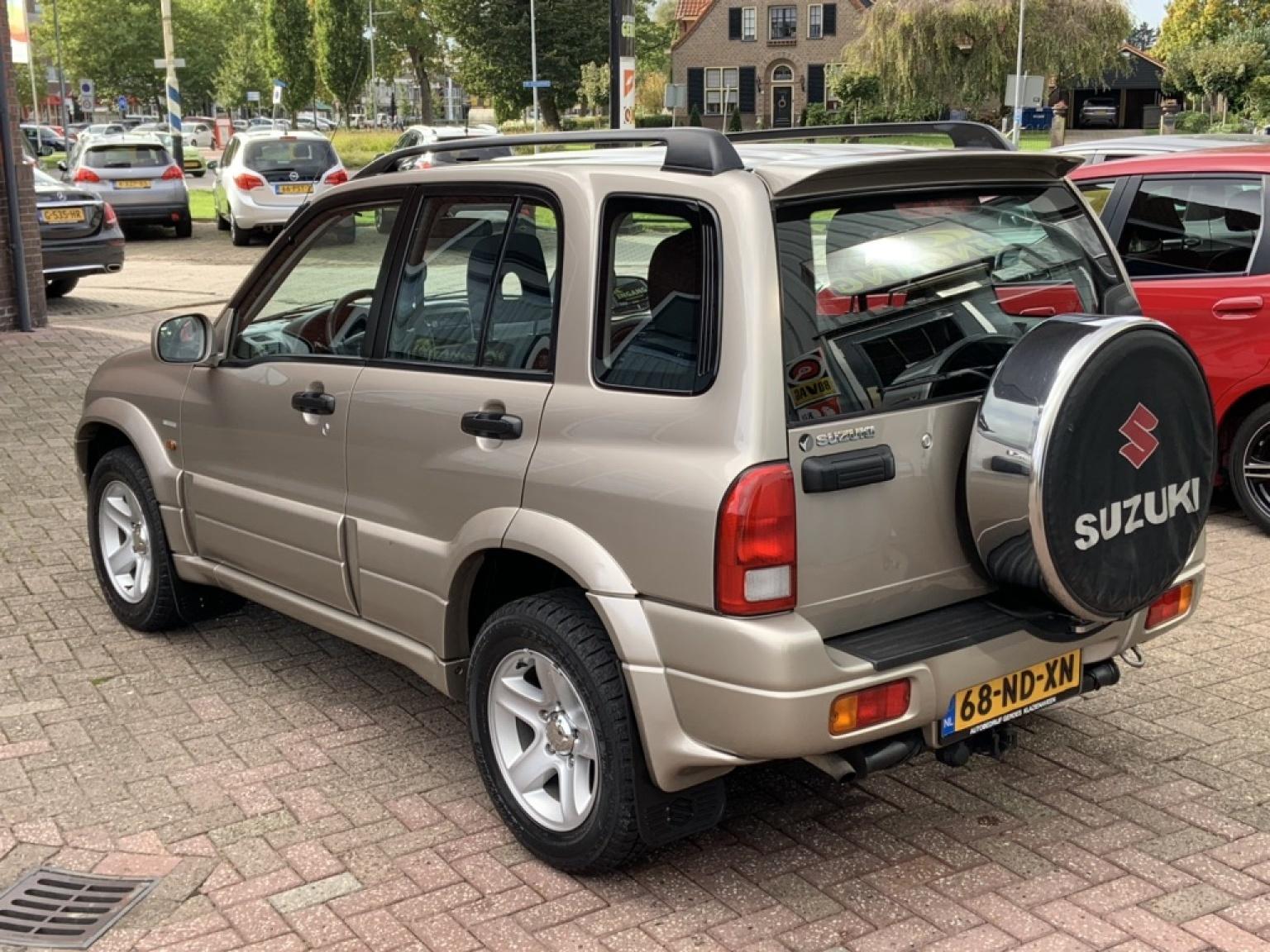 Suzuki-Grand Vitara-11