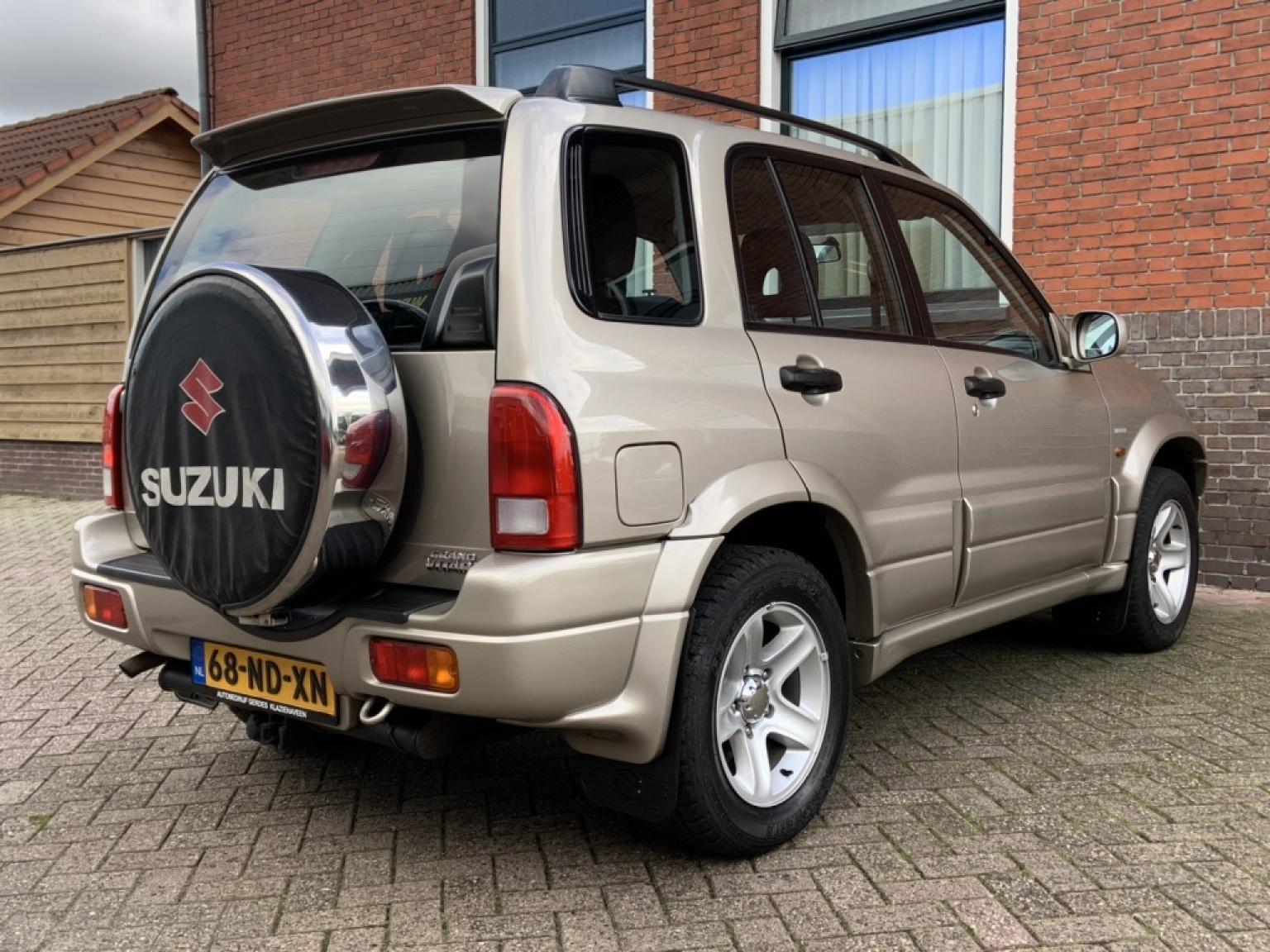 Suzuki-Grand Vitara-5