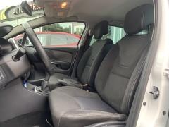 Renault-Clio-19