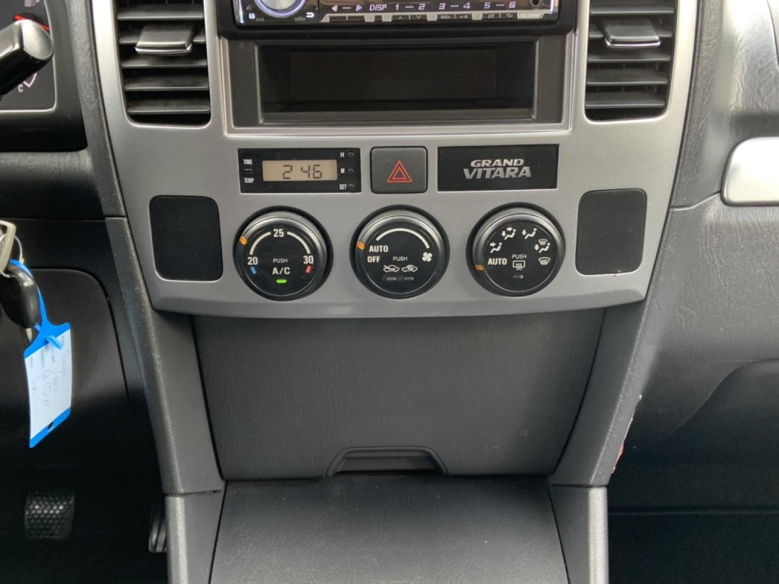 Suzuki-Grand Vitara-18